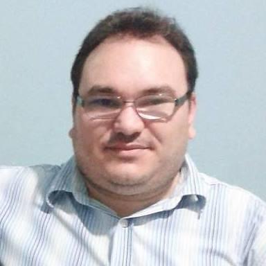 O jornalista brasileiro Gleydson Carvalho, assassinado na rádio em que trabalhava. (Facebook)