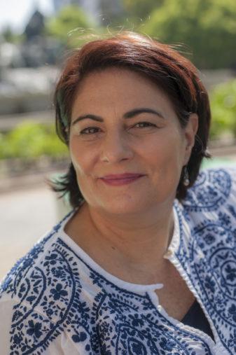 Carrie Kahn