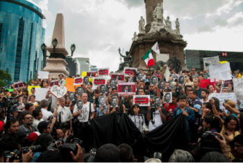 Mexicanos protestando