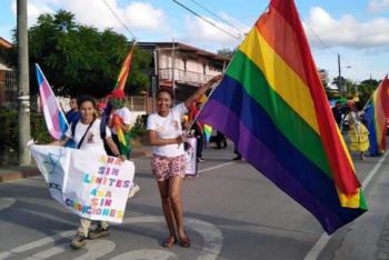 Desfile del orgullo en Izabal