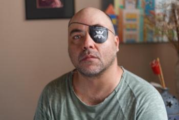 Alex Silveira: 21 anos em busca de justiça por ter ficado cego de um olho após ser atingido por uma bala de borracha disparada pela polícia de São Paulo. Foto: Sergio Silva/Ponte Jornalismo