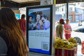 Tela da TN instalada em mercado na zona sul de São Paulo. Ao todo, serão 25 telas, com audiência estimada entre 500 e 800 mil pessoas por mês. Foto: cortesia.